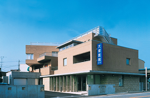 大塚医院(群馬県) 設計:内井昭蔵建築設計事務所
