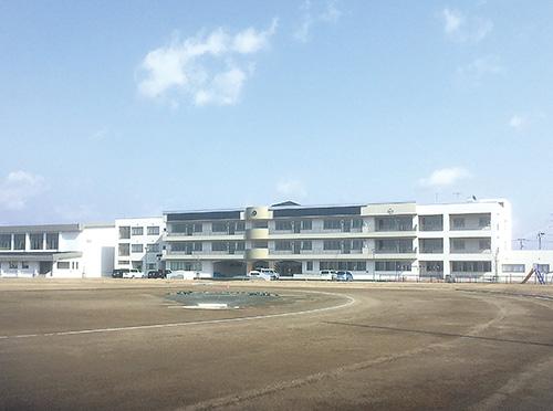 横手市立横手北小学校(秋田県)設計:大嶋・都市整備設計共同企業体