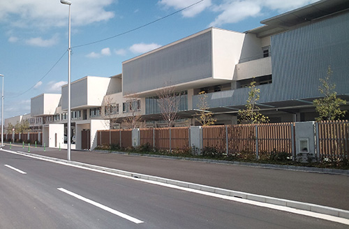 広島市立広島特別支援学校(広島県) 設計:佐藤総合計画